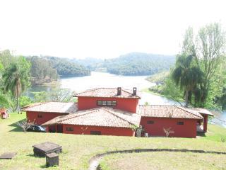 Linda Casa Vista Cinema Represa Piscina 40 min SP - Santa Isabel vacation rentals