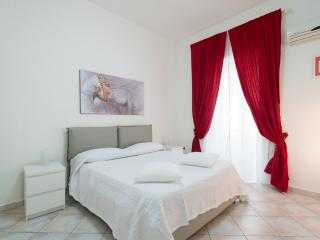 Nice Apartment with Internet Access and A/C - Naples vacation rentals