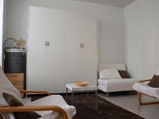 Cozy Bagneres-de-Bigorre Studio rental with Central Heating - Bagneres-de-Bigorre vacation rentals