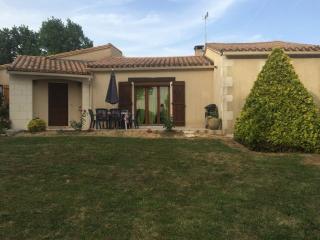 Maison d'hôtes Les Boulbènes*** - Caussade vacation rentals