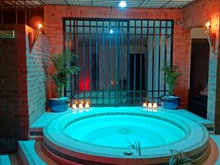 Exclusive Cali with Jacuzzi and Sauna - Cali vacation rentals