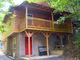 Creekside Get Away is located Kings Branch Road off the Spur - Gatlinburg vacation rentals