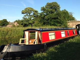 Ducklings Narrowboat Hire - Tewitfield vacation rentals