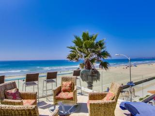 Spectacular *Ocean Front* PENTHOUSE - Pacific Beach vacation rentals