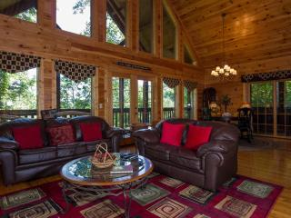 Among The Hemlocks . Pigeon Forge Tn,Game Room,Pool, Wifi, Hot Tub,Jacuzzi, - Pigeon Forge vacation rentals