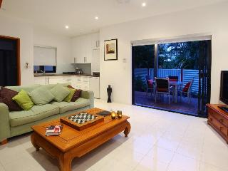 Nice Condo with Internet Access and Garden - Southport vacation rentals