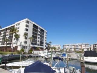 Harbor Towers Yacht & Racquet Club, Unit 203 (2 Week Minimum Stay) Siesta Key Boaters Getaway - Sarasota vacation rentals