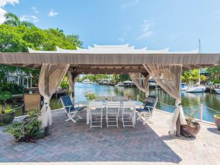 Victoria Park Estates: Dock with Deep Water. - Fort Lauderdale vacation rentals