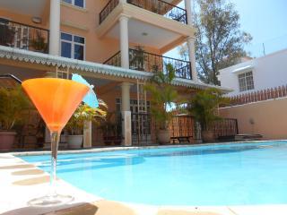Résidence LE PALMIER 2ème étage appart1 chambre - Mont Choisy vacation rentals