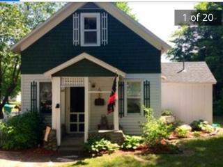 Lake Leelanau Cape Cod *Family Friendly* - Lake Leelanau vacation rentals