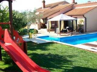 House Mirna new swimming pool 40m2 - Pula vacation rentals