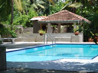 Beautiful 3 bedroom Bentota Bungalow with Internet Access - Bentota vacation rentals