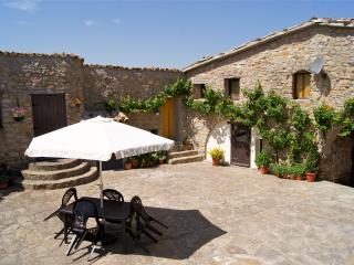 Farmhouse in a stunning location, Tremp, Lleida - Tremp vacation rentals