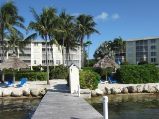 3 bedrooms at Ocean Harbour Apartment, Islamorada, Florida Keys. - Islamorada vacation rentals