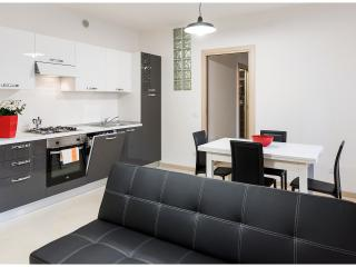 Modern and pleasant apartment with 5 sleeps - Verona vacation rentals