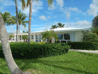 Nice 3 bedroom Summerland Key House with Internet Access - Summerland Key vacation rentals