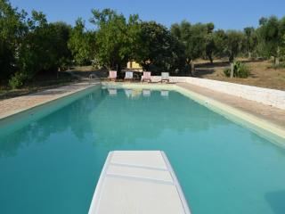 4 bedroom Farmhouse Barn with Internet Access in Ostuni - Ostuni vacation rentals