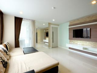 Luxury City Centre Condo 3 Bedroom - Pattaya vacation rentals
