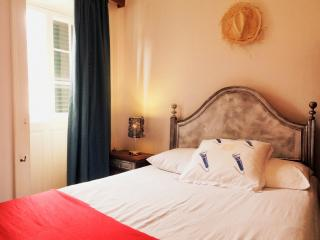 Lovely Private room with Internet Access and Porch - Machico vacation rentals