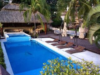 HUGE HOUSE WITH BEAUTIFUL BAY VIEWS - Acapulco vacation rentals