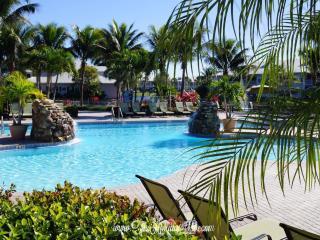 Nice 3 bedroom Naples Condo with Internet Access - Naples vacation rentals