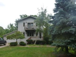 4BR 3BA Short Walk to Beach - New Furnishings 8/15 - Michigan City vacation rentals