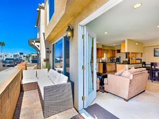 Rare 3BR House W/ AC! - Steps Away From The Beach, Restaurants and Bay - Newport Beach vacation rentals