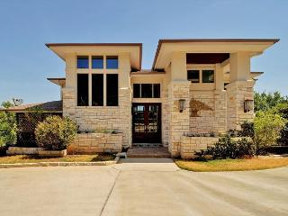 4BR/3.5BA Luxury Home in Hill Country, Panoramic Views, Sleeps 8 - Leander vacation rentals