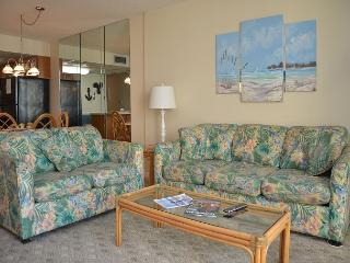 LITTLE COZY 1 BEDROOM CONDO RIGHT ON THE BEACH - Garden City Beach vacation rentals