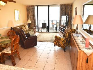 GET SOME EXTRA ROOM WITH OUR 2 BEDROOM SUITE!! NEAR MYRTLE BEACH, SC - Garden City Beach vacation rentals