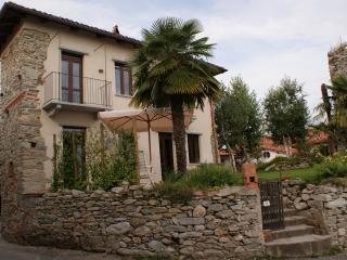 villa di campagna lago amanti  sport natura quiete - Viverone vacation rentals