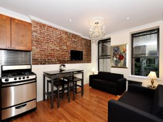 Modern 2 Bedroom in Manhattan Super Low November! - New York City vacation rentals