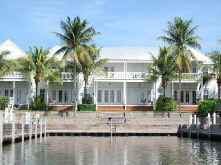 Waterfront luxury Villa (30) with spectacular sunset views and boat slip - Marathon vacation rentals