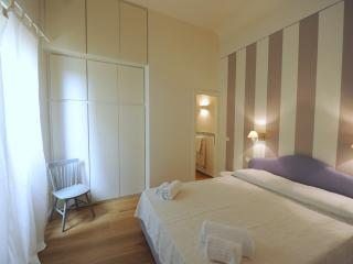 Lillà by Acacia,  in the heart of real city - Florence vacation rentals
