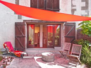 Nice 1 bedroom Bellegarde-du-Razes Gite with Internet Access - Bellegarde-du-Razes vacation rentals