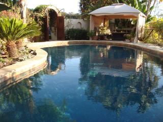 2 Bedroom Suite over golf course - Casa de Olivia - Pasadena vacation rentals
