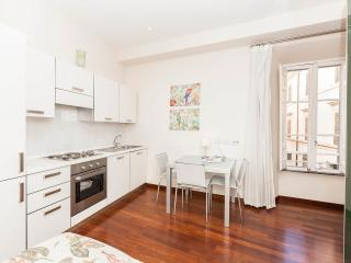 Charming apartment in Monti neighborhood 4 blocks by the Colosseum (2-3 guests) - Rome vacation rentals