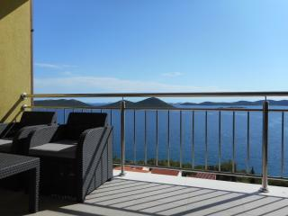 Apartment AP2 with beautiful view near the beach - Drage vacation rentals