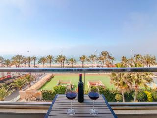 Stunning Views over the Palma Bay. Beach location. - Playa de Palma vacation rentals