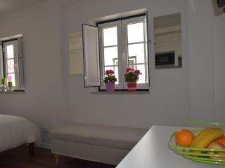 Cozy apartment in Alfama - Lisbon vacation rentals