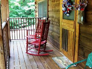 """Simply Serene"" -Beautiful Log Cabin - Memorial Day Weekend Available! - Warrensville vacation rentals"