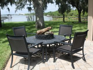 Gorgeous 3 bedroom House in Merritt Island with Deck - Merritt Island vacation rentals