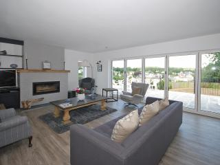 Large 5* Cottage with Hot Tub and Views - Saundersfoot vacation rentals