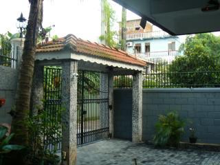 Bright 7 bedroom Matara Villa with Internet Access - Matara vacation rentals