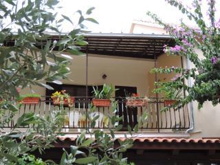 COSY STUDIO APARTMENT ELA IN MIRCA FOR FAMILY - Brac vacation rentals