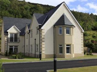 Bright 1 bedroom Fort William Apartment with Internet Access - Fort William vacation rentals