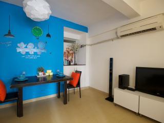Best Location 1-9ppl 3-Bdr 2 min walk to MRT 702 - Hong Kong vacation rentals