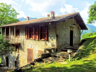 3 bedroom Farmhouse Barn with Outdoor Dining Area in Bracca - Bracca vacation rentals
