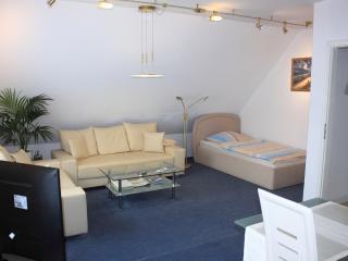 2 bedroom Apartment with Internet Access in Lübeck - Lübeck vacation rentals