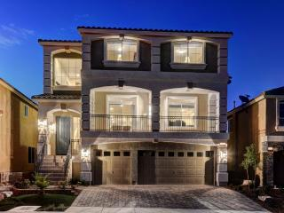 Stunning Luxury Home by STRIP 5BD (2Master Suites) - Las Vegas vacation rentals